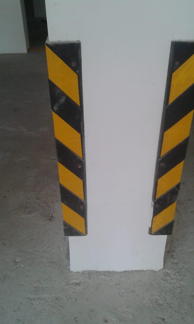 1 Meter L Pillar guard